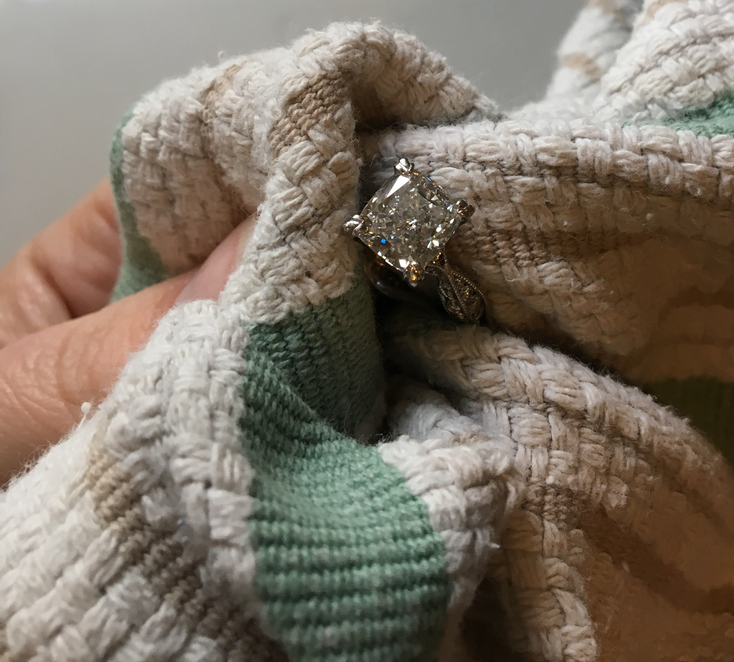 How-to Cleaning Jewlery Diamond Ring Tips